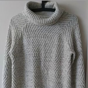 Roots long tunic cowl neck sweater  size Small